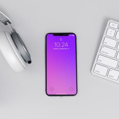iphone-x-on-workspace-mockup